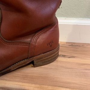 Frye campus boots 10